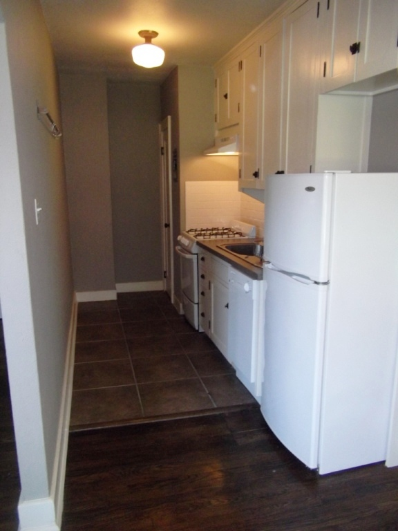 Please contact us to schedule a viewing or apply online today  1 bedroom. Ambassador   Southwood Properties